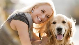 pes in njegov lastnik